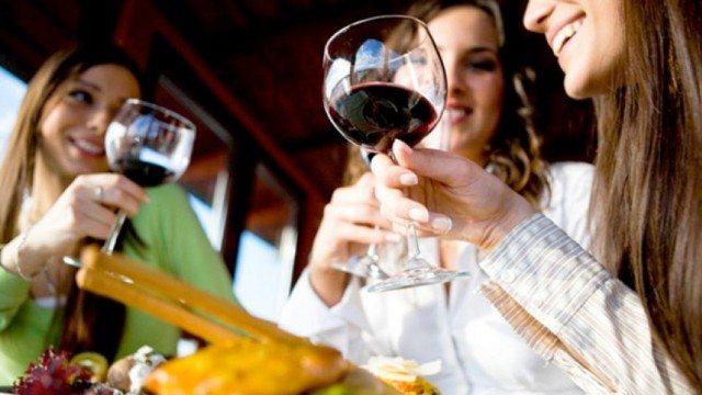 wine drinkeres