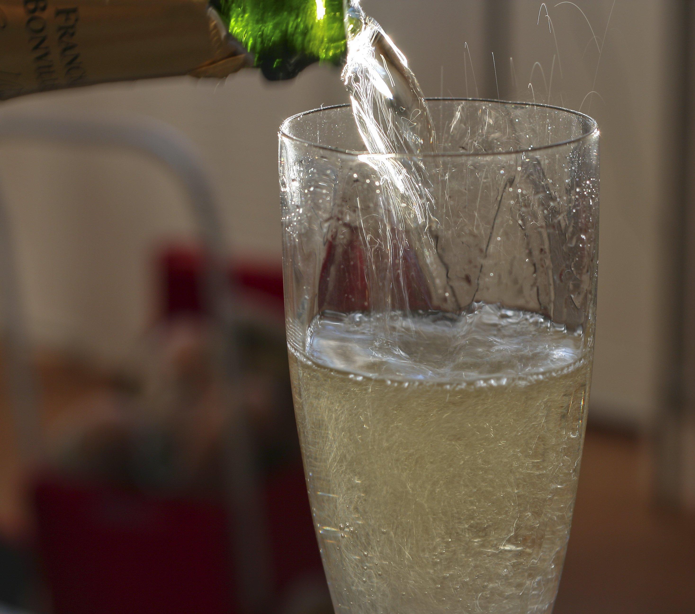 flat sparkling wine